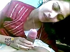 Indian wife sucking giving her man a blowjob in indian sex video mms